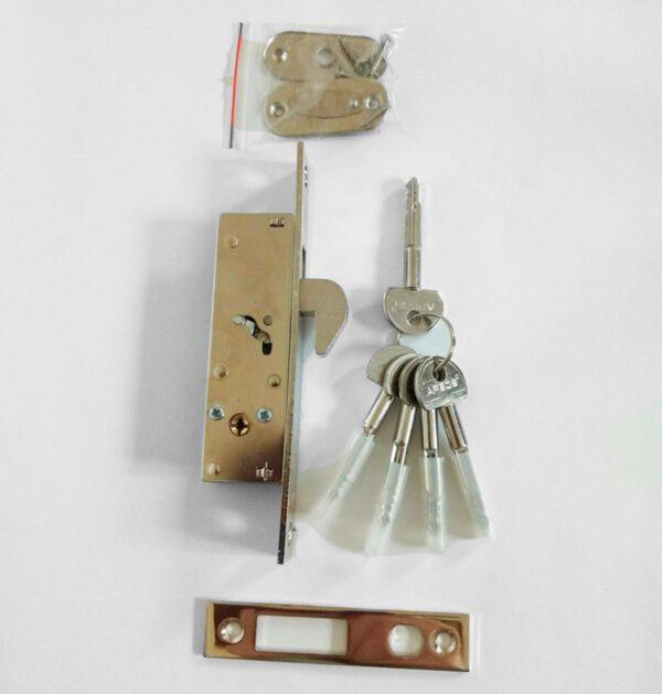 Замок врезной для откатных ворот и дверей с 5 ключами крестообразными с накладкой декоратичной и ответной планкой фирмы Apecs Basic 72-К цвет хром