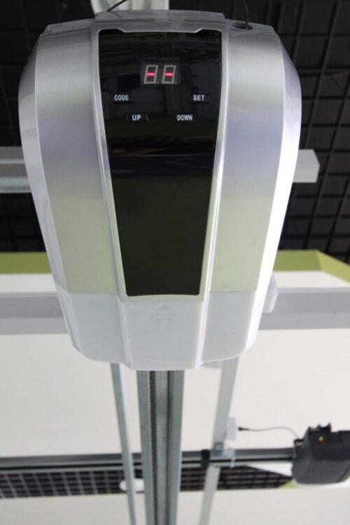 Увеличенный вид основания (головы) привода An Motors ASG 600 ASG1000 KIT (установленный)